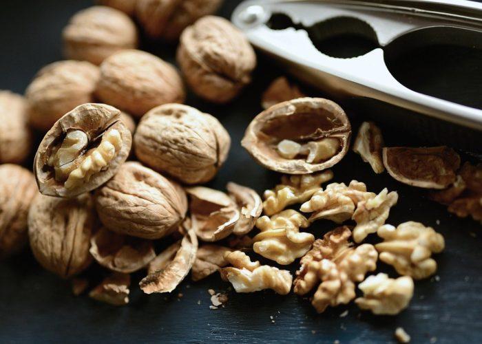 walnuts-5386201_1280
